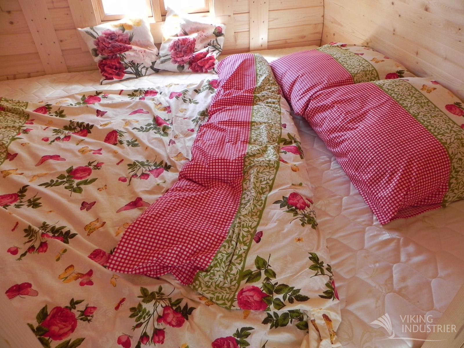 Dvigulė lova su čiužiniu